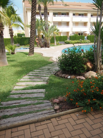 Golden Beach apartments garden and pool